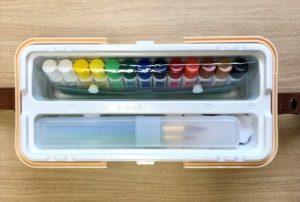 光文書院シンプリズム画材セットは小学生向けのシンプルな絵の具セットです。